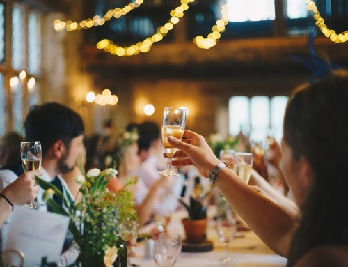 5 Tips for Writing an Amazing Wedding Toast